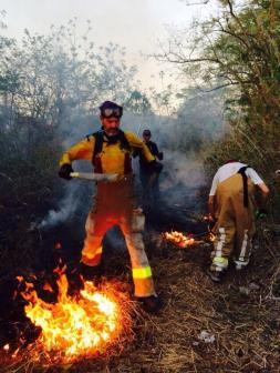 bomberos_nosara_fuego_pascuas